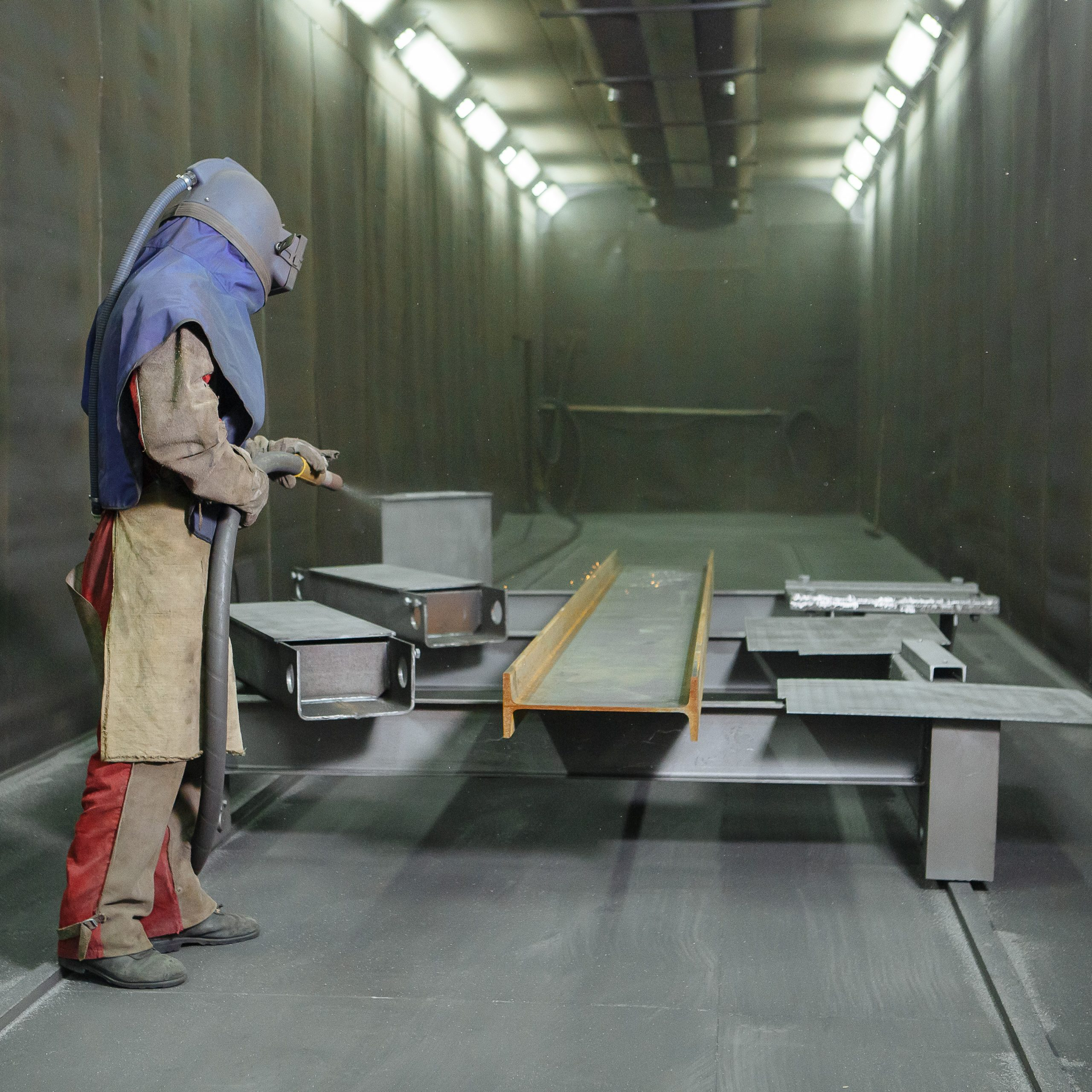 Blasting booths and blasters extraction